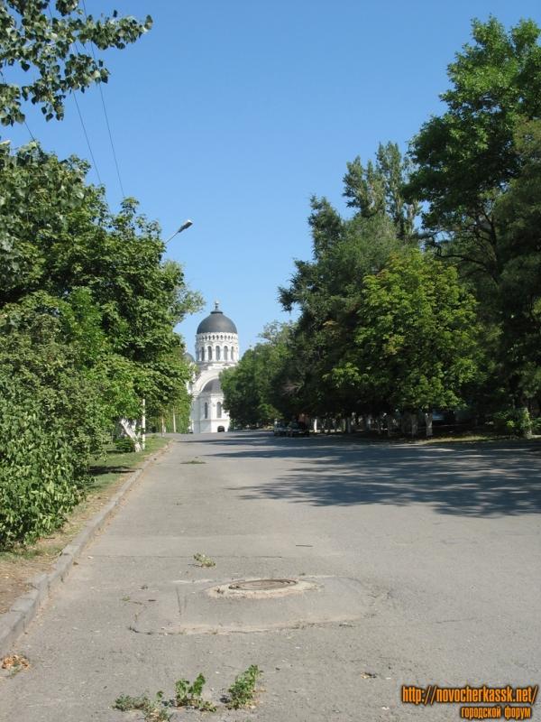 Вид на собор с Красного спуска
