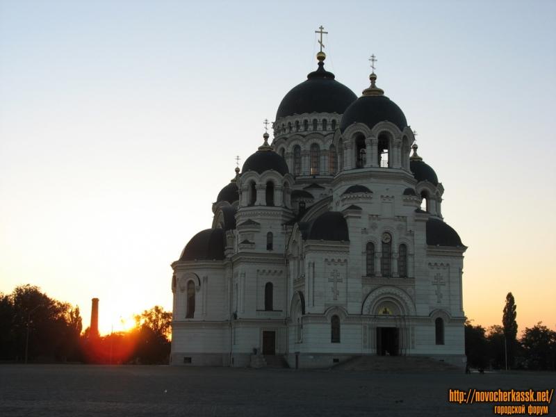Рассвет и собор