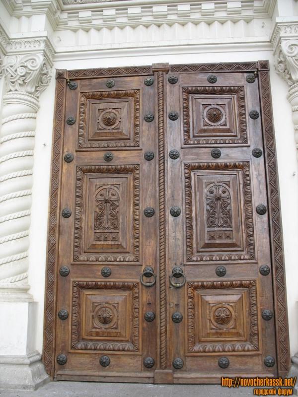 Двери собора