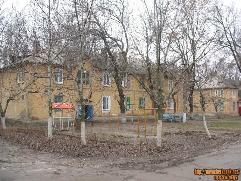 Двор на углу Молодежной и Чехова