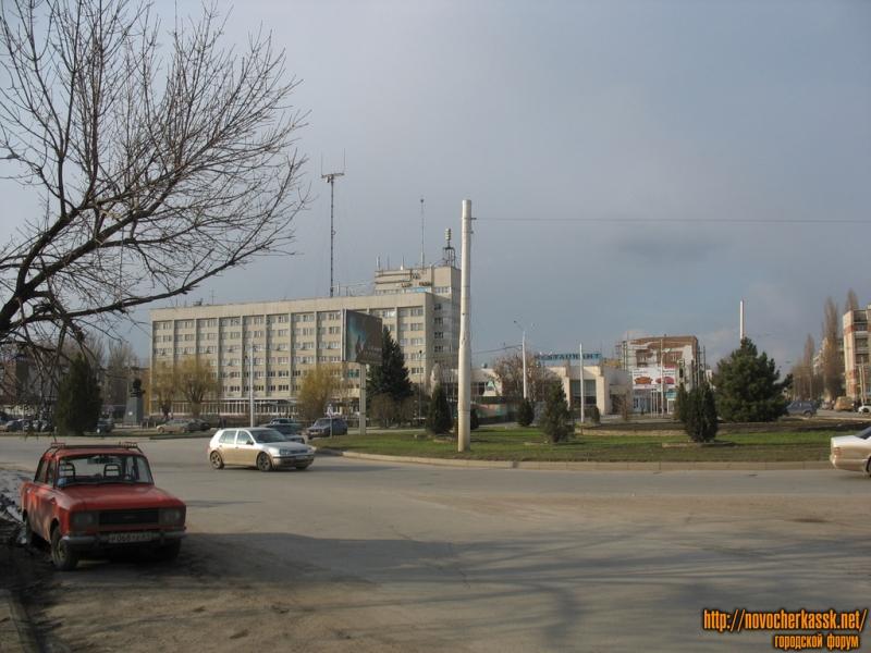 Площадь Юбилейная и гостиница Новочеркасск