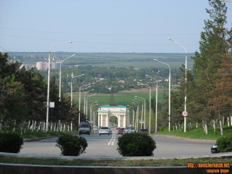 Спуск Герцена. Триумфальная арка. Вид с площади Троицкой