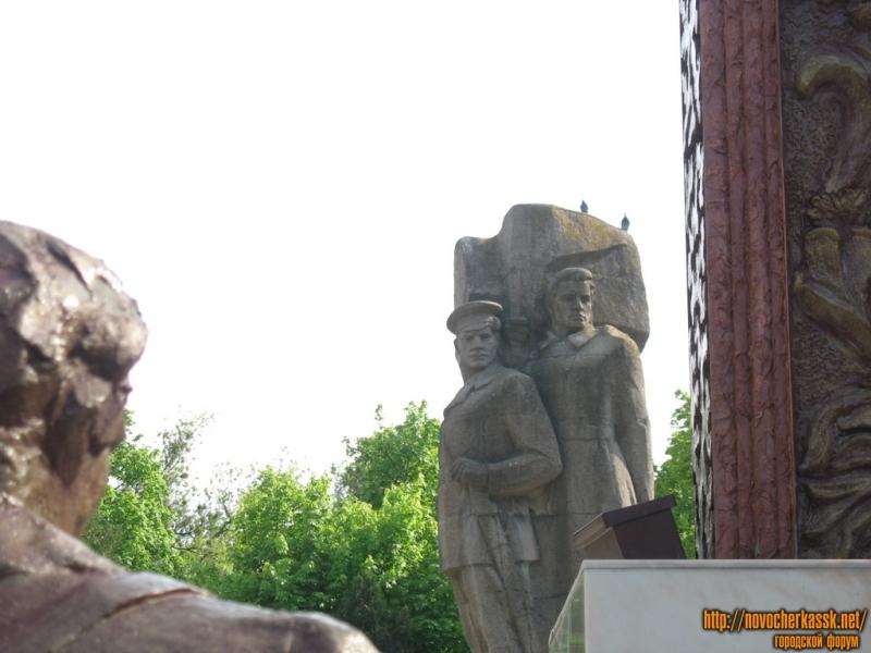 Памятник Подтелкову и Кривошлыкову, героям революции