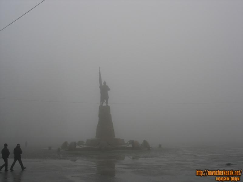 Памятник Ермаку в тумане