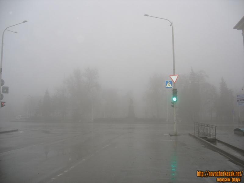 Памятник Платову, перекресток Платовский проспект и Московская