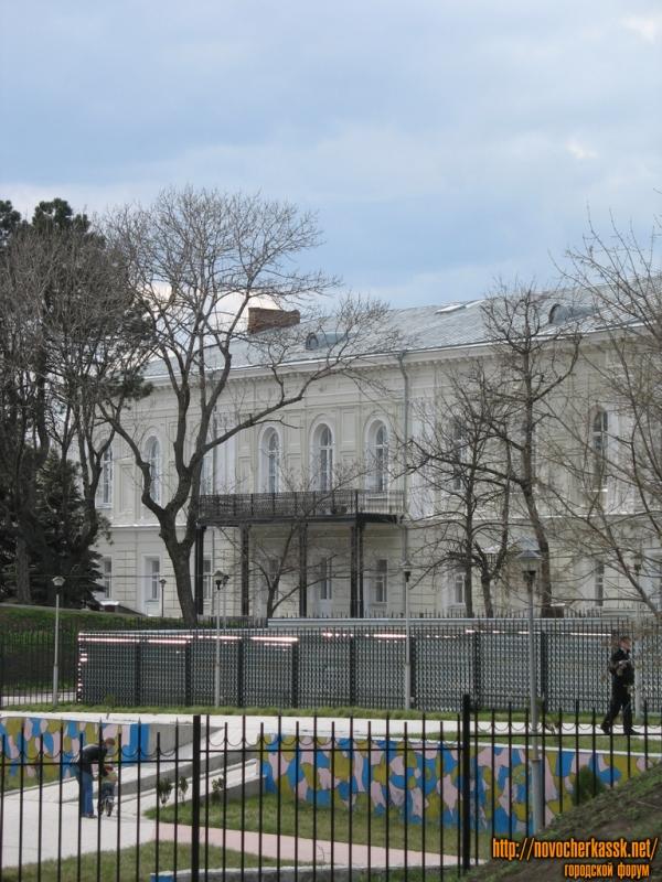 Атаманский дворец из Александровского парка