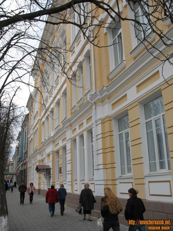 Здание первой школы, Московская