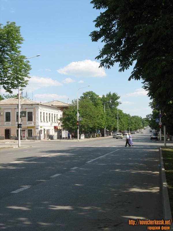 Московская улица (перекресток с Дубовского)