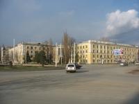 Общежитие на площади Юбилейной, на углу Баклановкого проспекта и 26 Бакинских комиссаров
