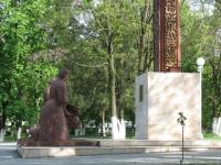 Памятник на Троицкой площади