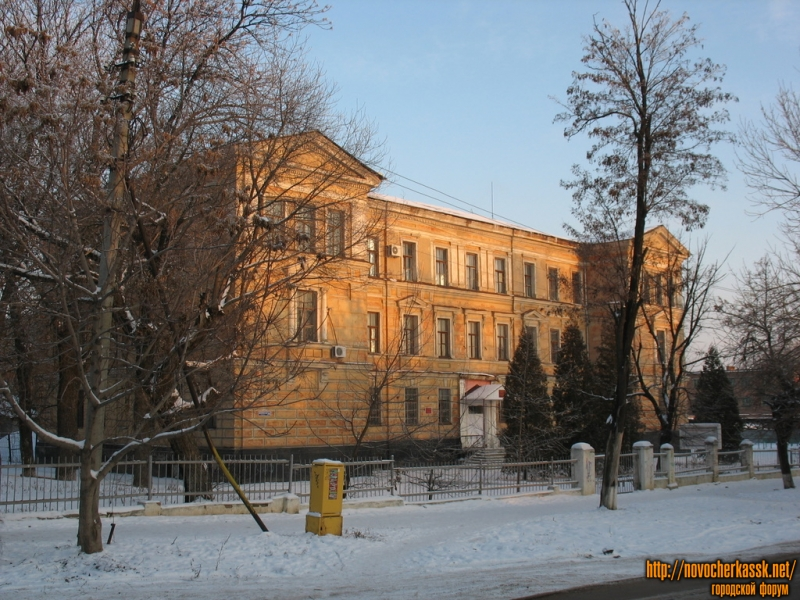 Новочеркасский машиностроительный колледж, перекресток Михайловской и Троицкой
