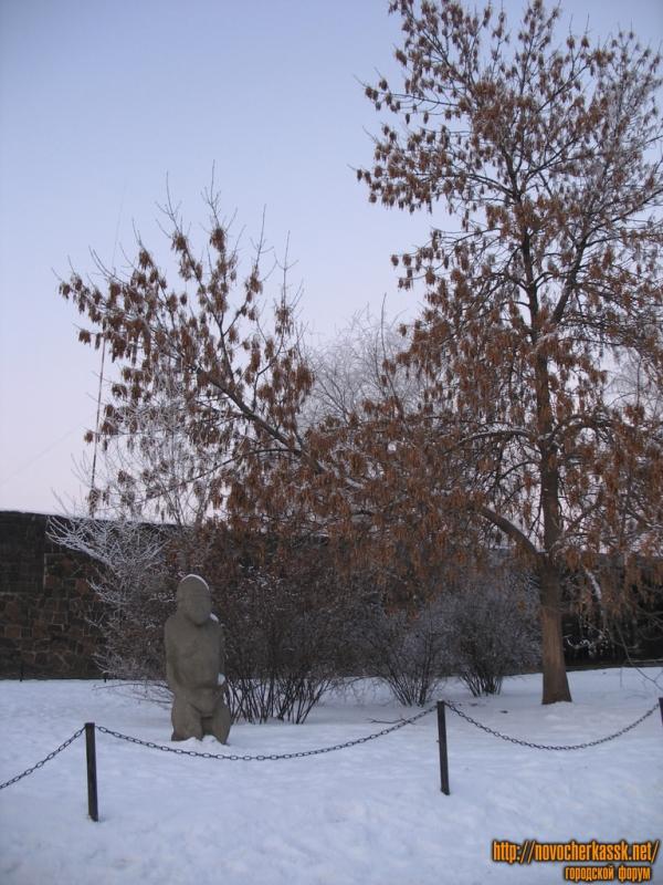 Скифские каменные бабы, ресторан Сармат, проспект Баклановский