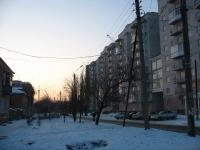 Троицкая улица, справа — жилой комплекс Олимп
