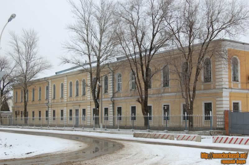 Площадь им. Павлова и госпиталь Северо-Кавказского округа внутренних войск