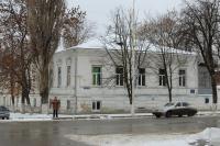 Угол Московской и Красноармейской. В данном доме проживал сын Атамана Платова
