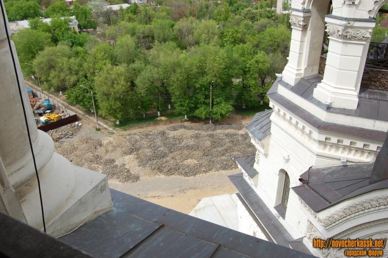 Реставрация соборной площади. Вынутый камень