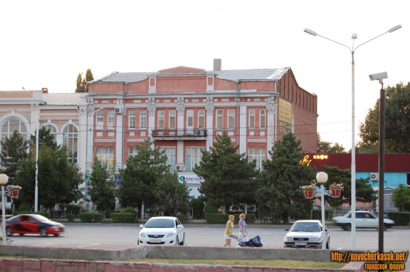 Проспект Платовский, бывший Дом Пионерии