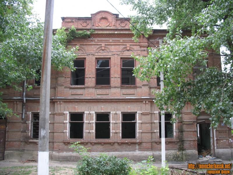 ул. Просвещения, 87, заброшенное здание больницы