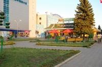 Сквер перед Мак-Дональдсом, Платовский проспект