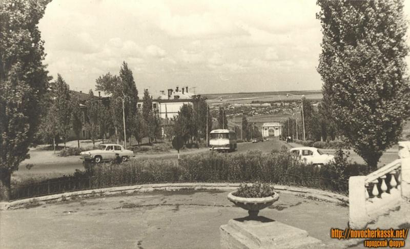 Вид с пл. Троицкой на Триумфальную арку (сп. Герцена)