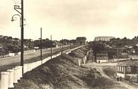 """Триумфальная арка, спуск Герцена. Здание справа - бывший """"сороковой"""" магазин (пересечение с Буденновской)"""