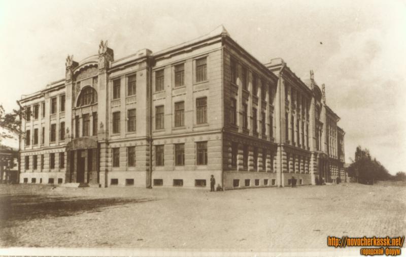 Дореволюционная Палата судебных установлений (Ныне театр)