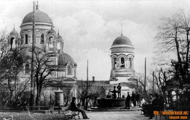 Александро-Невская церковь. Вид из Александровского сада