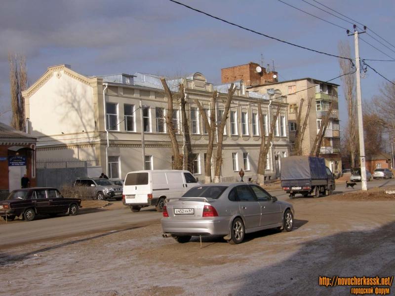 Маяковского, правее - перекресток с Фрунзе