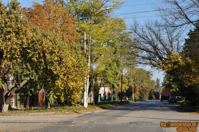Буденновская. Вид с ул. Крылова в сторону Ленгника