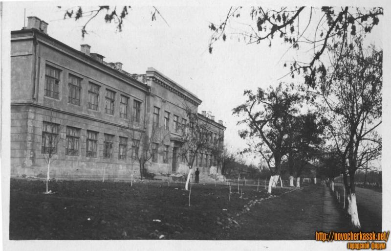 Улица Энгельса, школа 14