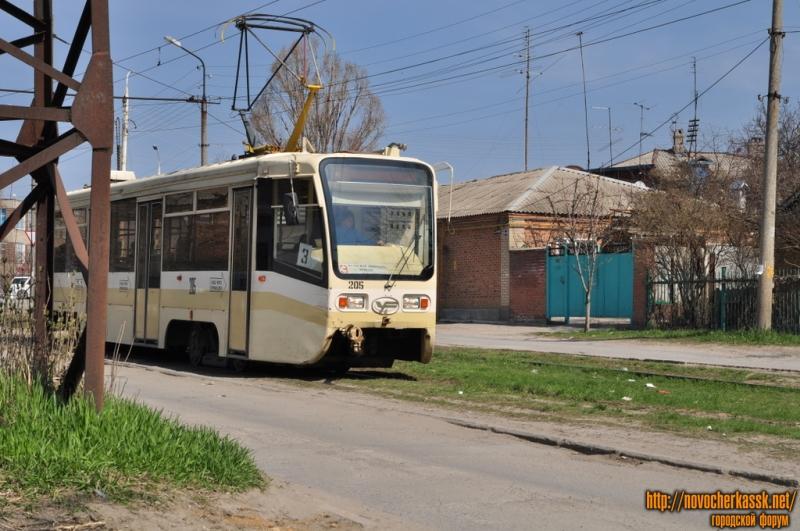 Трамвай на улице Г. Петровой