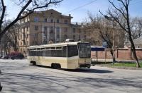 Трамвай на улице Богдана Хмельницкого
