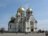 Собор в Новочеркасске с золочеными куполами