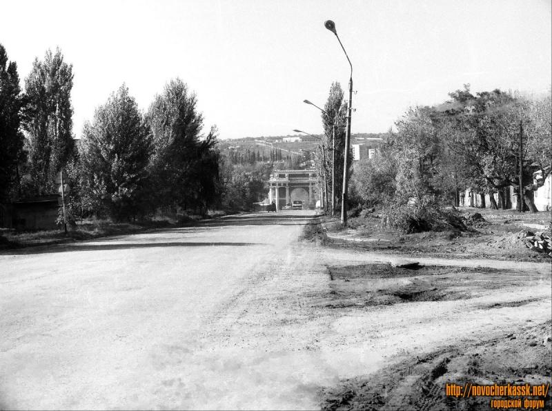 Пр. Платовский. Вид на Арку. 11 октября 1990 г.