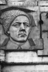Мемориальная доска с барельефом Думенко. Пр. Ермака. 11 октября 1990 г.