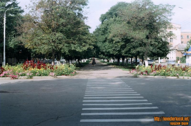 Баклановский. Вид от пл. Троицкой. 25 августа 2004 г.