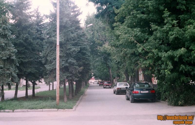ул. Дворцовая. Вид от Атаманского дворца. 25 августа 2004 г.