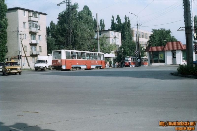 Баклановский на пересечении с Галины Петровой. 25 августа 2004 г.