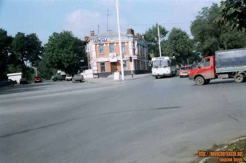 Пр. Баклановский на пересечении с ул. Энгельса. 25 августа 2004 г.