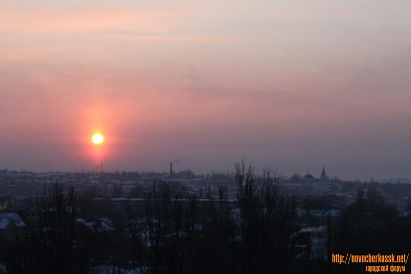 Рассвет над городом. Вид с пересечения Троицкой / Первомайской