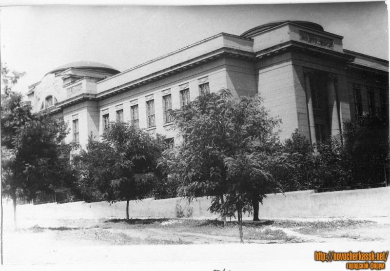 Химфак НПИ. Вид с ул. Богдана Хмельницкого. 1954 год