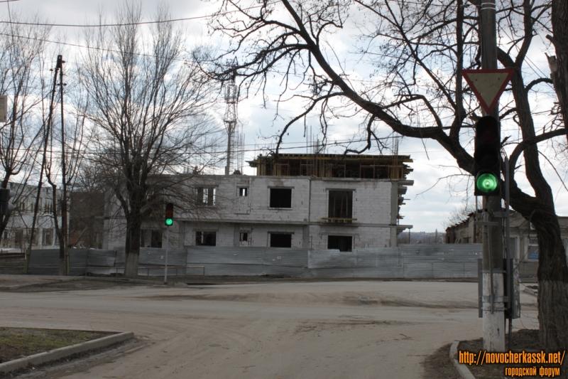 Строительство на ул. Пушкинской (пересечение с ул. Дубовского)