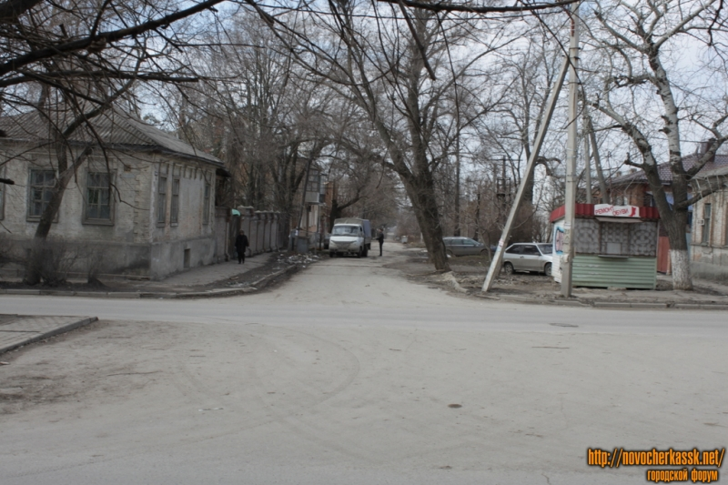 Вид на ул. Бакунина с ул. Просвещения