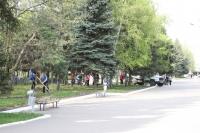 Субботник в парке перед ДК НЭВЗ