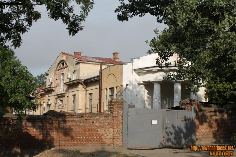 Угол улицы Троицкой и Богдана Хмельницкого. Вид с Богдана Хмельницкого