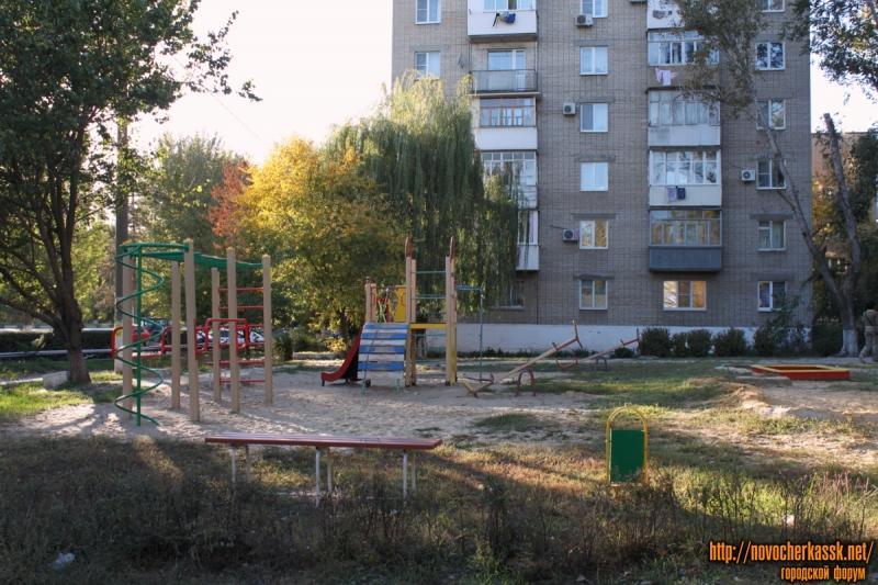Детская площадка в микрорайоне Черемушки