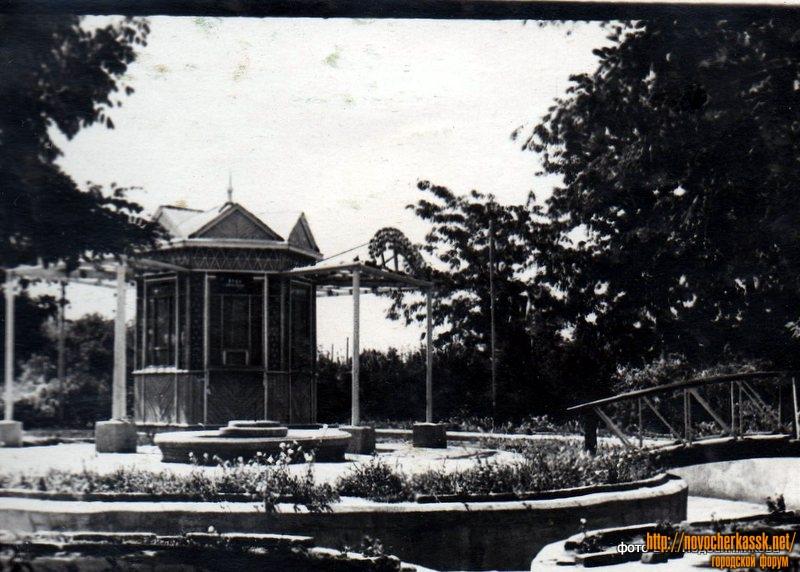 Беседка в Александровском парке