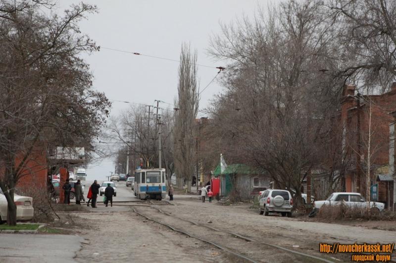 Трамвай на конечной остановке - Азовский рынок