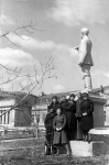 Памятник Серго Орджоникидзе в НПИ