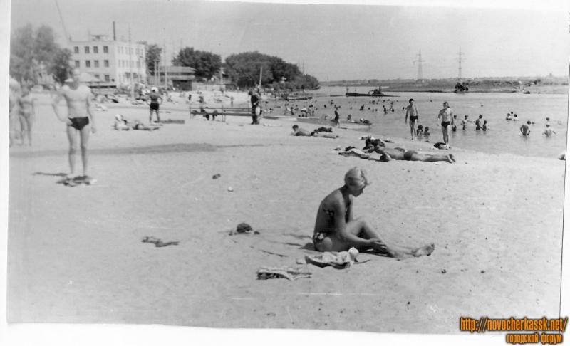 Городской пляж на реке Аксай